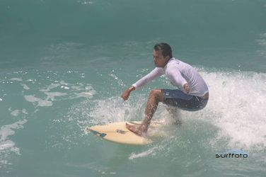 Seminarian_Guido_Vidal_Fran_a_Schaffer_surfing_Photo_courtesy_of_guidoschaffercombr_CNA_11_12_14